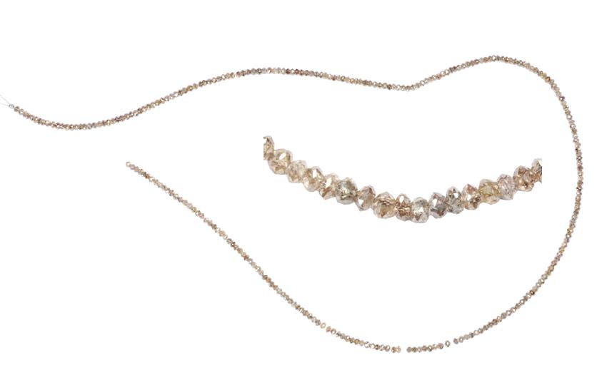 Colliers de diamants bruns