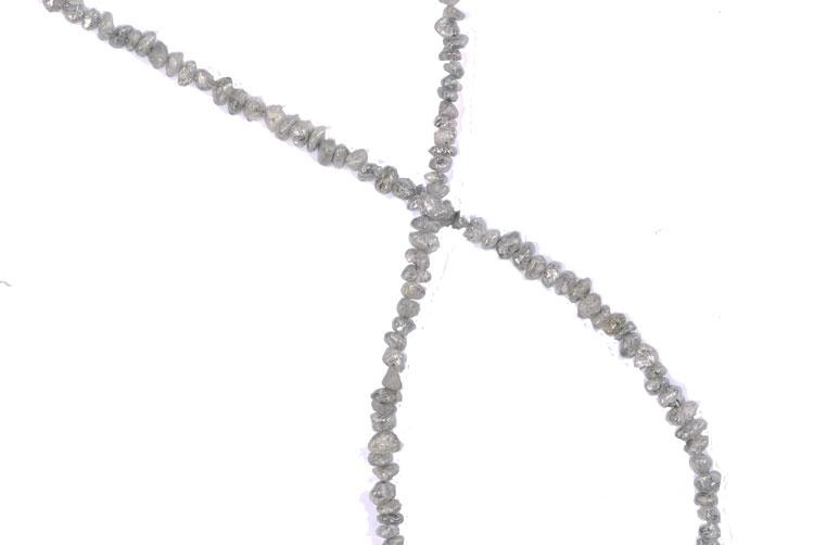 Collier de diamants bruts