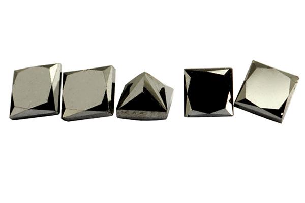 Diamant noir 2.0x2.1mm