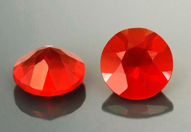 Opale de feu calibrée 0.2ct