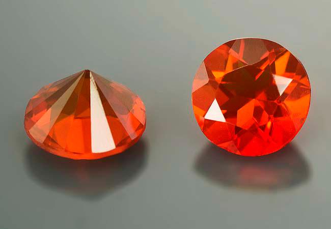 Opale de feu calibrée 0.175ct