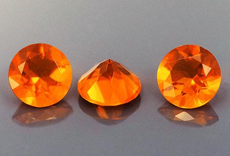 Opale de feu calibrée 1.27ct