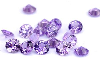 Saphir violet  (rond-calibré) 0.08ct