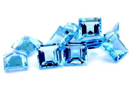 Topaze bleue Swiss Blue carrée 3mm