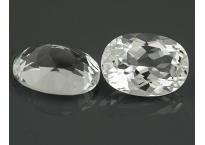Topaze blanche ovale 8,1x6,1mm