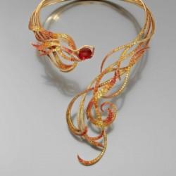 27 août 2014: Un collier avec une andésine par Lorenz Baumer