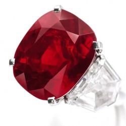 """12 février 2015: nouveau record de prix pour un rubis, le """"Sunrise Ruby""""."""