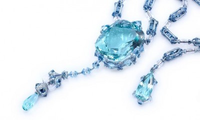 A Drop Into The Ocean necklace, set with a 379.21 carat aquamarine, diamonds and sapphires. – photo via Wallace Chan