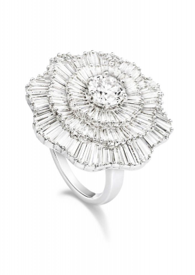 Bague collection Extremely Piaget, or blanc, diamants blancs, ©PIAGET