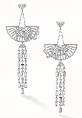 Boucle d'oreille Rising Sun, platine, diamants blancs ©BOODLES