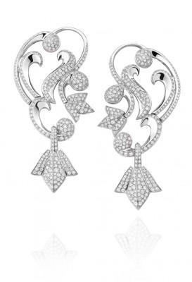 Boucle d'oreille collection Secrets de Lys, platine, diamants blancs ©,Mellerio dits Meller