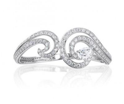 Bracelet Crest, collection Phenomena, or blanc, diamants blancs, ©DE BEERS