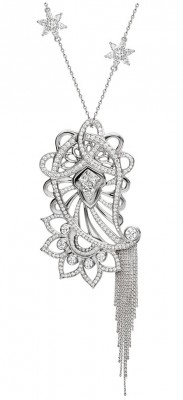 Collection Bespoke , pendentif en platine et diamants blancs ©Ana de Costa