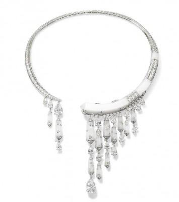 Collection Lumieres d'Eau, collier en or blanc,  cristal de roche et diamants, ©Chaumet