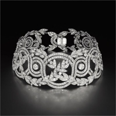 "Collection Unusual treasure Collier ""Elise"" diamants,  ©ROBERT PROCOP"