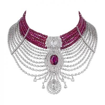 Collier Reine Makéda, collection Cartier Royal, platine rubis, du Mozambique, rubis et diamants, ©CARTIER