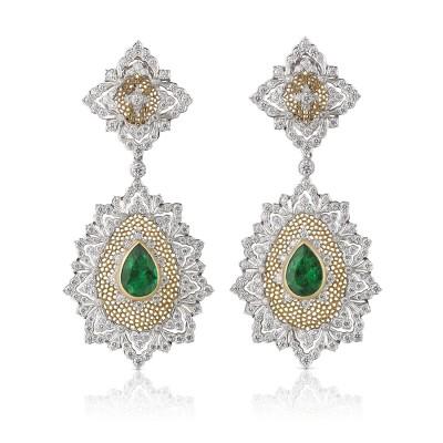 BUCCELLATTI #Earrings #Diamonds #Emeralds