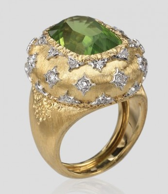 #BUCELLATI #Peridot #Diamonds #Ring
