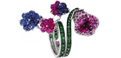#Boucheron #Ring #emerald #ruby #sapphire #émeraude #rubis #saphir