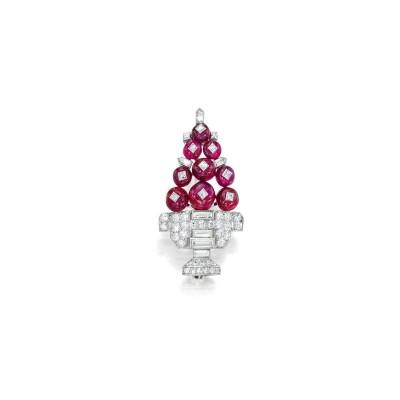 #CARTIER #brooch #diamonds #rubies