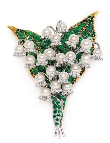 #FULCO DI VERDURA #CHANEL #Pearl #Diamonds #Emeralds