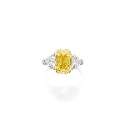 GRAAF- Fancy Vivid Yellow Diamond-Diamond Ring