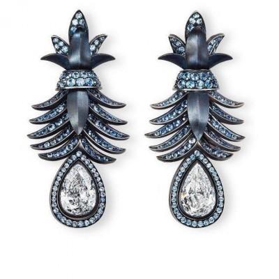 HEMMERLE-earrings-diamonds-sapphires-iron-silver-white gold