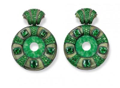 HEMMERLE-earrings-jade-tsavorites-gold