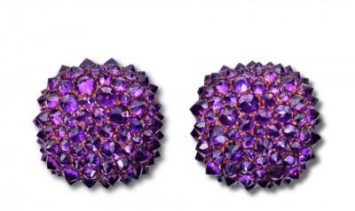 HEMMERLE-earrings-rhodolite garnets reverse st in white gold and copper