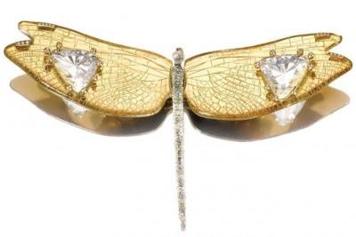 JAR-brooch