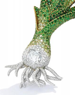 JAR-brooh-diamods-dematoides-sold-Sotheby's-New York-$1,515,000