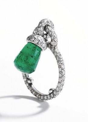JAR-emerald-diamonds-ring