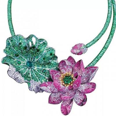 ANNA HU-Collier Celestial Lotus- Diamants-Rubis-grenats démantoides-Tsavorite-Saphir roses-titane