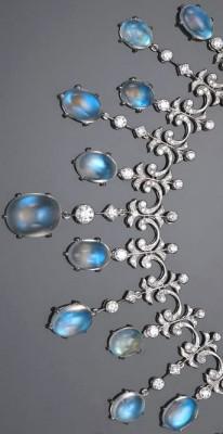 BELPERRON Suzanne-pierre de Lune-diamant-collier-or blanc