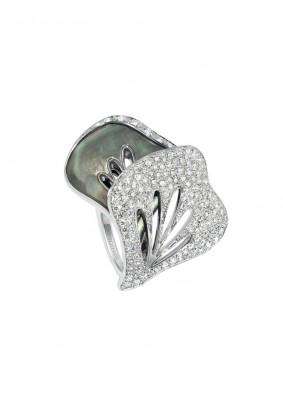 BOUCHERON-diamant-nacre grise