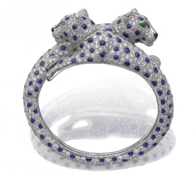 CARTIER-Onyx-emerald-sapphire-diamond-bangle-Panthère
