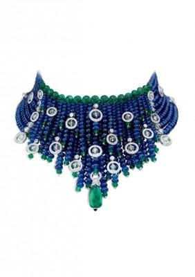CARTIER-collier-diamants-saphirs-émeraudes