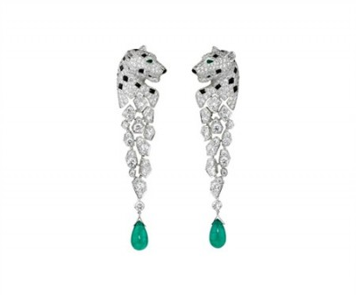 CARTIER_Panther-earrings-in-white-gold-with-onyx-spots-diamonds-and-emerald-drops