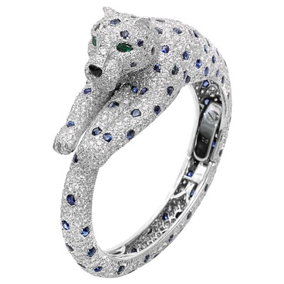 CARTIER_diamond-sapphire-panthere-bangle_diamants saphhirs