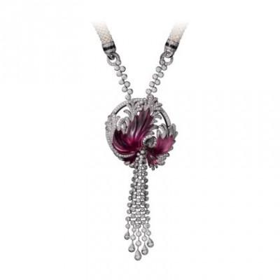 Collection Caresse d'orchidées, collier en platine, rubellite sculptée, perles de culture d'eau douce, laque noire et diamants, CARTIER