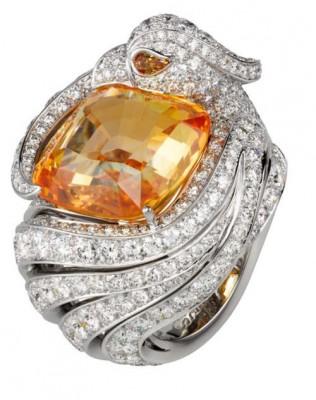 Collection Haute Joaillerie, Bague en or blanc, diamants et grenat mandarin. Cartier©