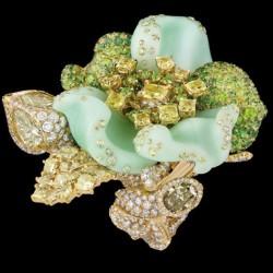 DIOR-Bague-Bal-Champetre-Joaillerie-diamants de couleur-crhysoprase demantoides tsavorite