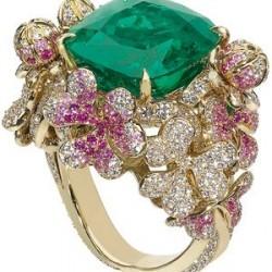 DIOR-Victoire de Castellane_emeraude_saphirs roses-_diamants