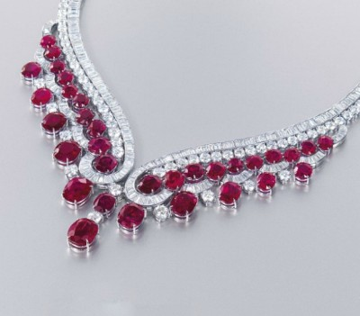 HARRY WINSTON-Collier-diamants-rubis-diamants