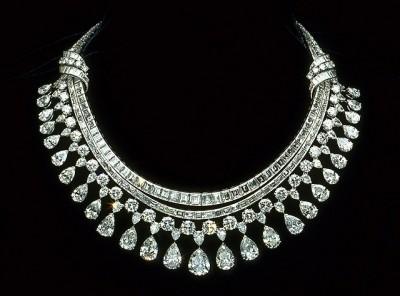 HARRY WINSTON-Le Collier de diamants Hazen-platine-diamants