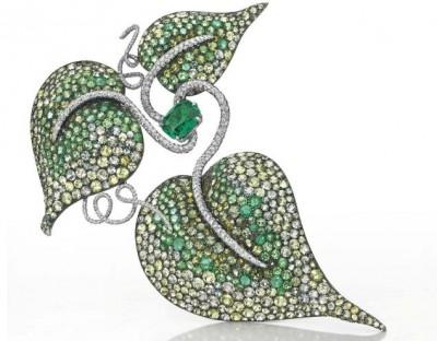 JAR-émeraude-pavé d'emeraudes-diamants-péridots-citrines-grenats-zircons