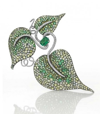JAR-émeraudes-péridots-grenats-citrines-diamants-broche