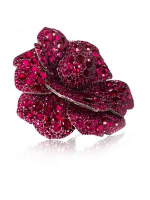JAR-broche Camélia-rubis-diamants-vendue $4,323,240-record mondial pour un bijou de JAR aux enchères