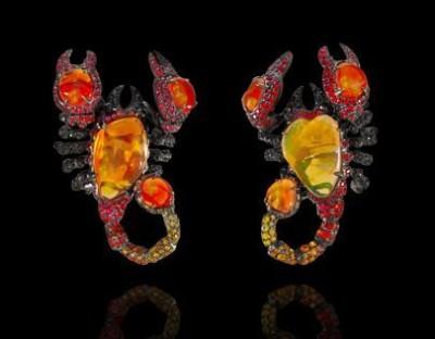 LYDIA DE COURTEILLE-collecttion jardin de Xochimilco-Boucles D'oreilles Scorpion-rubis-saphirs-opale de feu