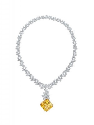 Le Saphir HARRY WINSTON  51.94 ct- diamants